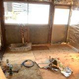 【素人×古民家DIYリノベーション】キッチンの床構造づくり2/2と自作キッチンシンクづくり