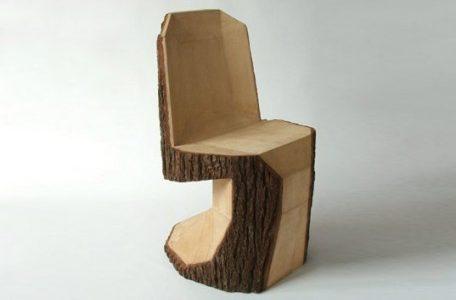 【未乾燥材としての木材利用の方法?】素朴なつくりの家具